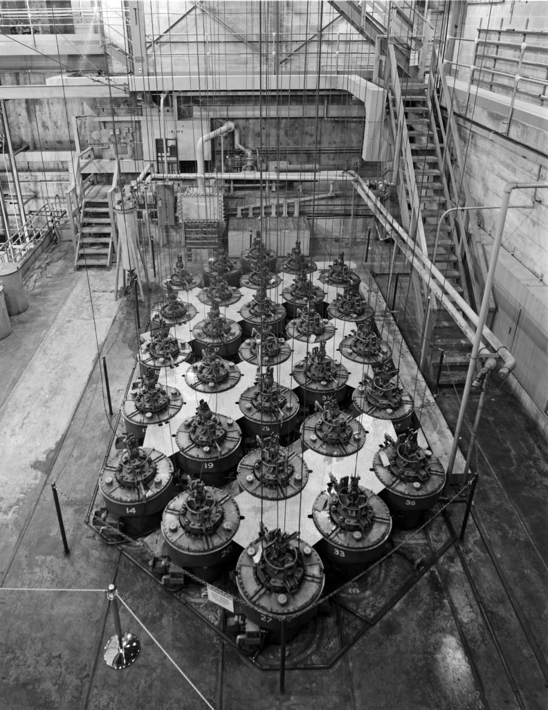 vertical safety rods to rapidly shut down B Reactor at Hanford