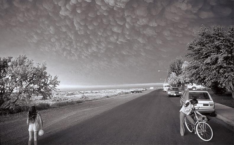 Kids near Ephrata, Washington, watch volcanic cloud with mammatus lobes in 1980