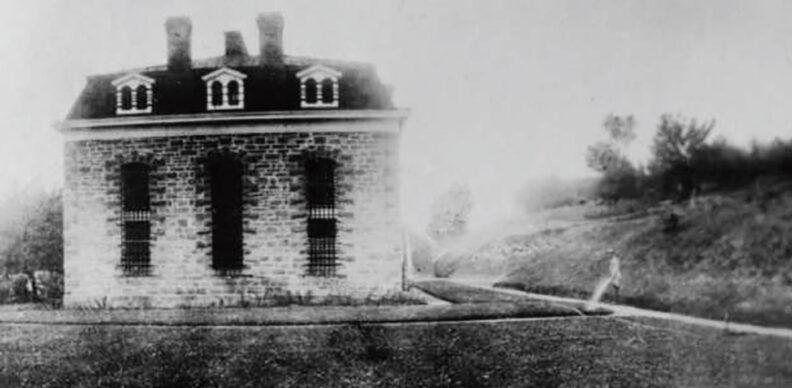 Black and white photo of Washington Territory jail in 1873