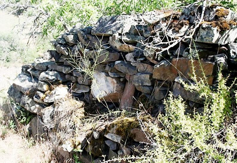Stone monument in Idaho honoring Chinese miners massacred
